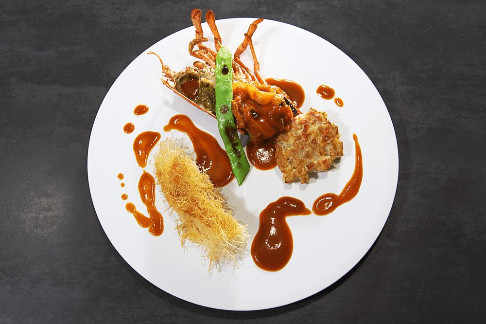 オマール海老にカダイフを纏わせてロティ カラフル野菜の煮込みと、甲殻類のエッセンス【10人前】