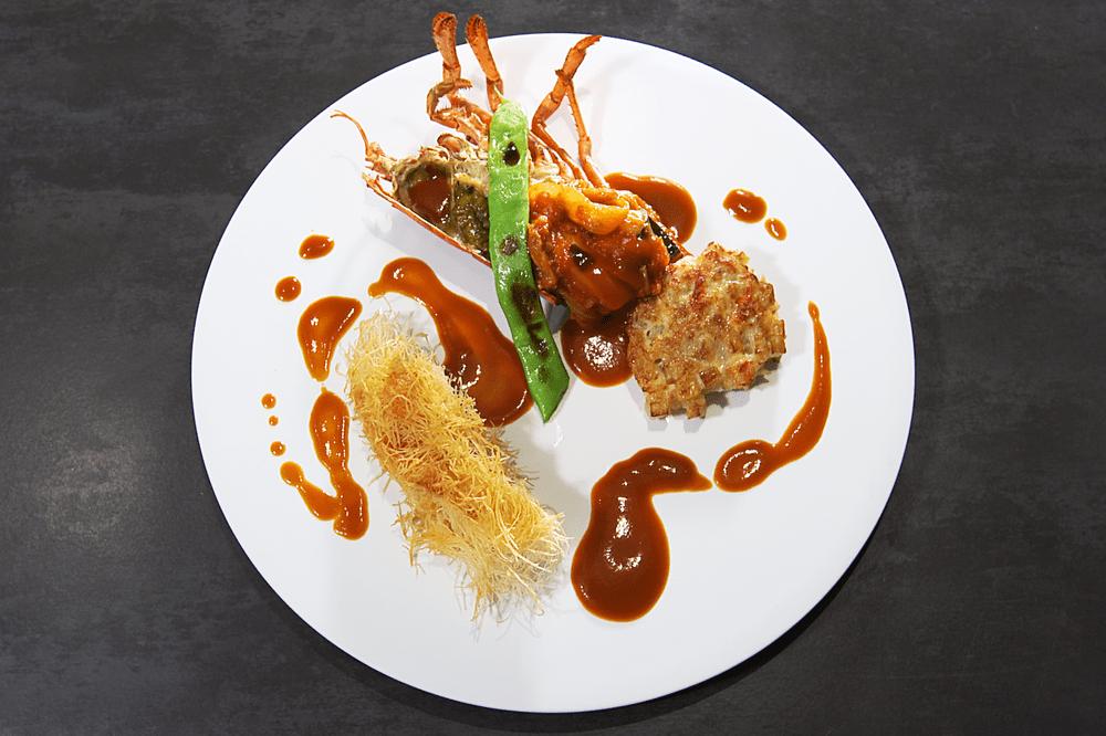 オマール海老にカダイフを纏わせてロティ カラフル野菜の煮込みと、甲殻類のエッセンス【6人前】