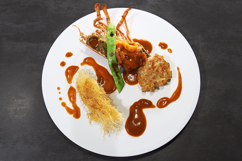 オマール海老にカダイフを纏わせてロティ カラフル野菜の煮込みと、甲殻類のエッセンス【8人前】(消費税込)