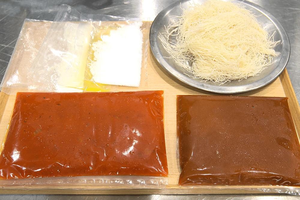 オマール海老にカダイフを纏わせてロティ カラフル野菜の煮込みと、甲殻類のエッセンス【4人前】(消費税込)