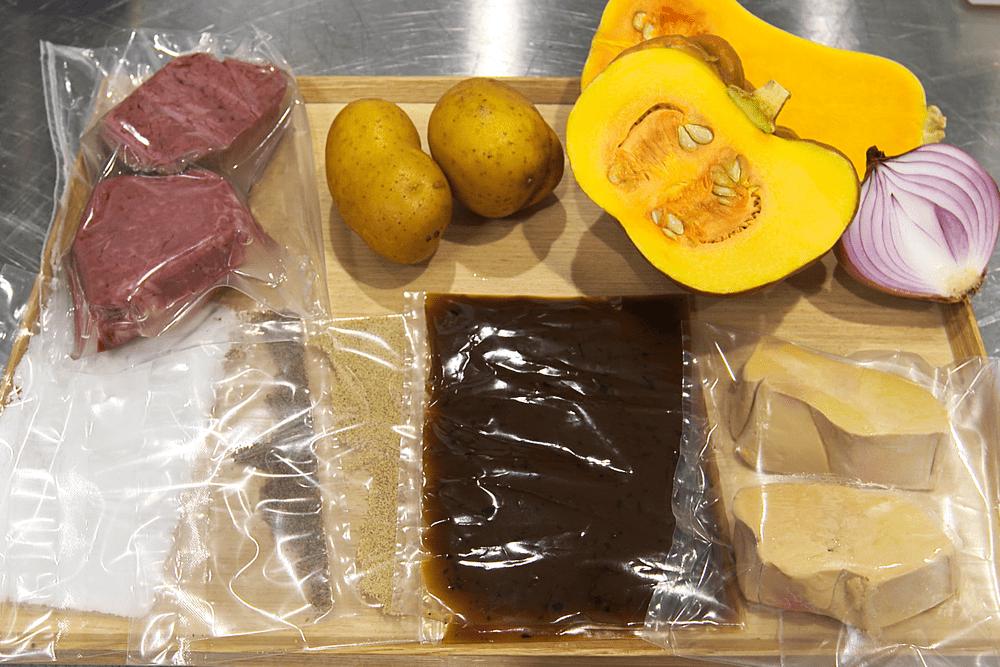 国産牛フィレ肉のステーキとフォアグラ 、トリュフソース、農園直送野菜のキャラメリゼ 【4人前】(消費税込)