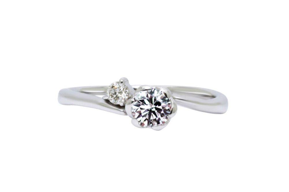 フィオリ 0.312ct ダイヤモンド リング