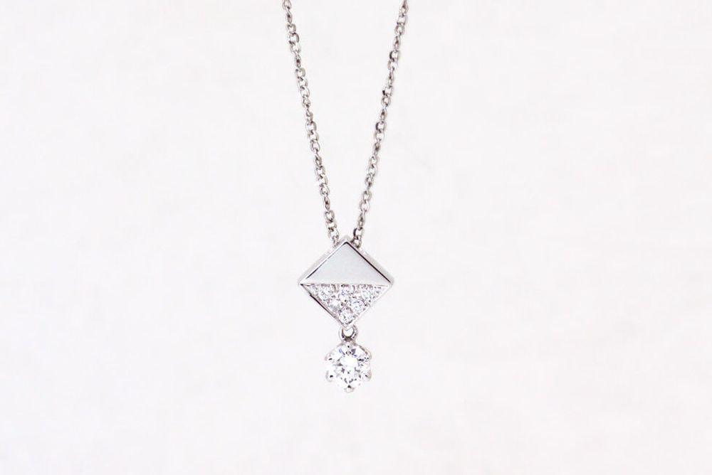 Pt900 ダイヤモンド ペンダントネックレス