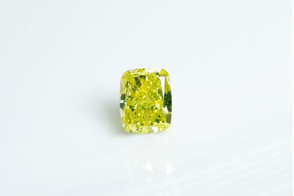天然ファンシーインテンスグリーンイエロー ダイヤモンド SI1 0.50ct