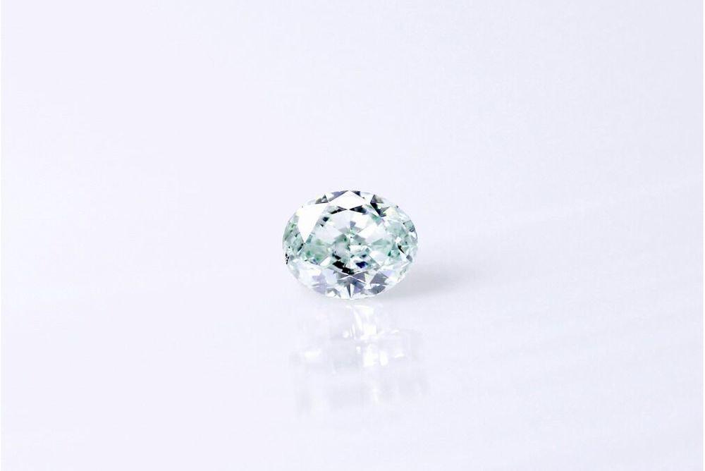 天然 ファンシーグリーンダイヤモンド 0.14ct