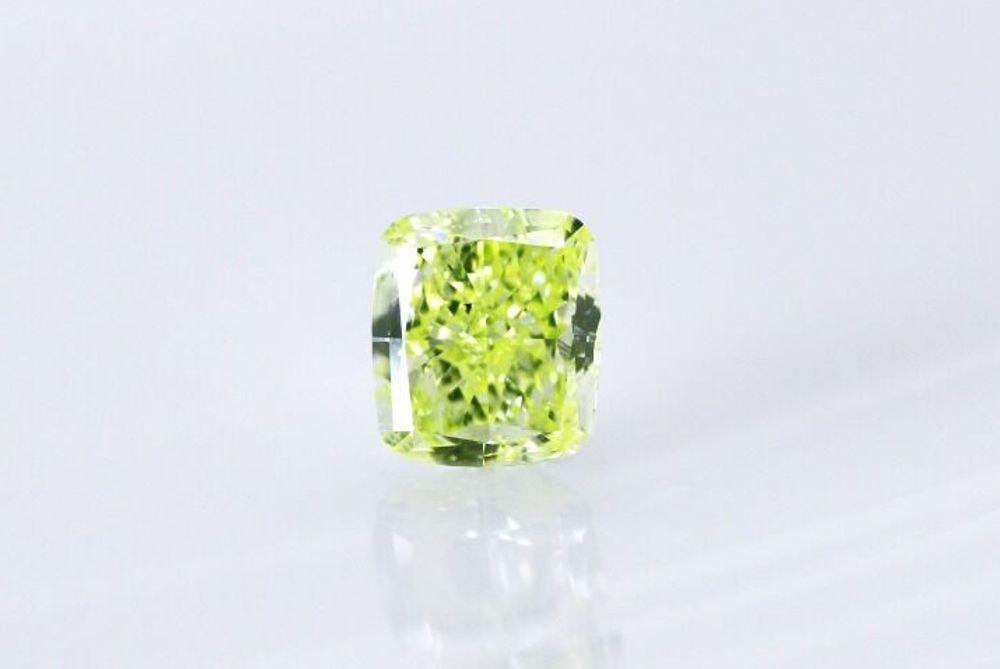 天然 ファンシーイエローグリーン ダイヤモンド  SI1 0.41ct