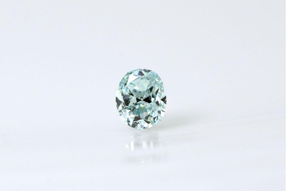 天然ファンシーライトブルーグリーン ダイヤモンド SI2 0.420ct