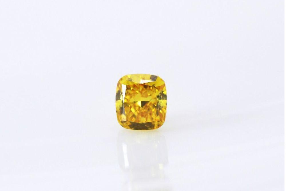 天然 ファンシービビッドオレンジイエローダイヤモンド  VS2 0.320ct