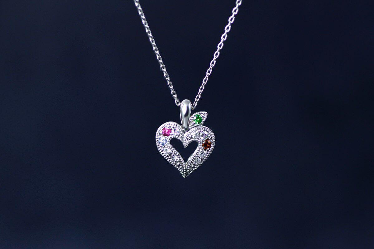 結婚20周年記念のアニバーサリーオーダーリング。最高の宝石に絆を大切に込めたデザインの秘訣を1級ジュエリーコーディネーター嶋直樹がご紹介します。