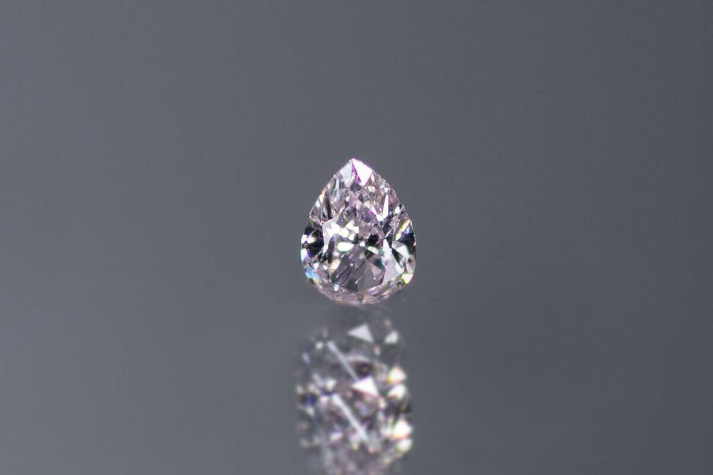 天然ファンシーライトブラウニッシュピンクダイヤモンド I-1 0.204ct