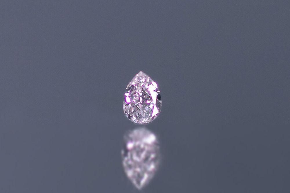 天然ファンシーインテンスパープルピンクダイヤモンド VVS-2 0.143ct