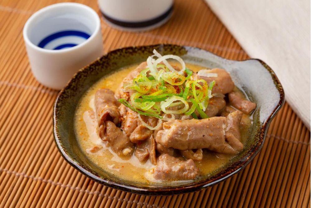 秋田県産豚ヤワラカ味噌煮込ホルモン