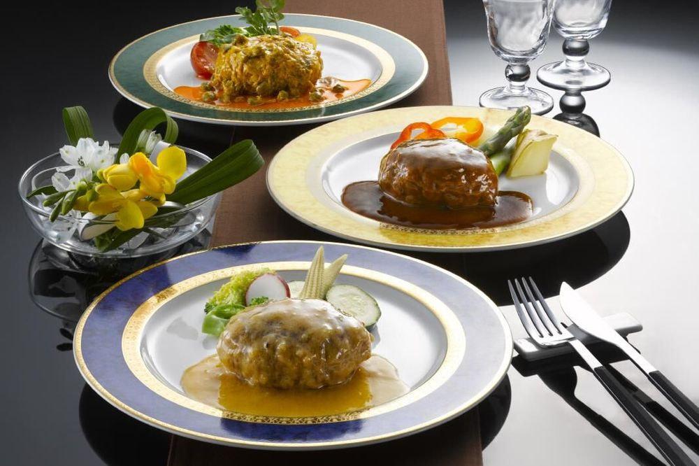 神奈川 「横浜ロイヤルパークホテル」監修 3種のソースで味わう煮込みハンバーグ