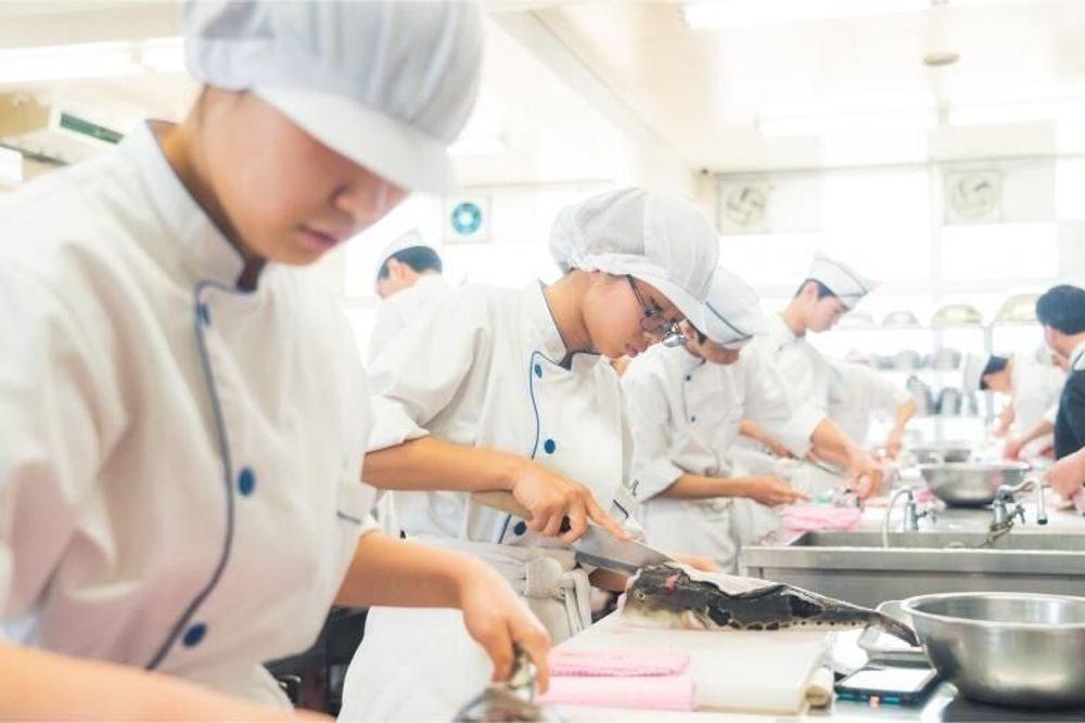 松山学院高等学校調理科 大切な人に食べてほしい、「愛」ある愛媛おせち