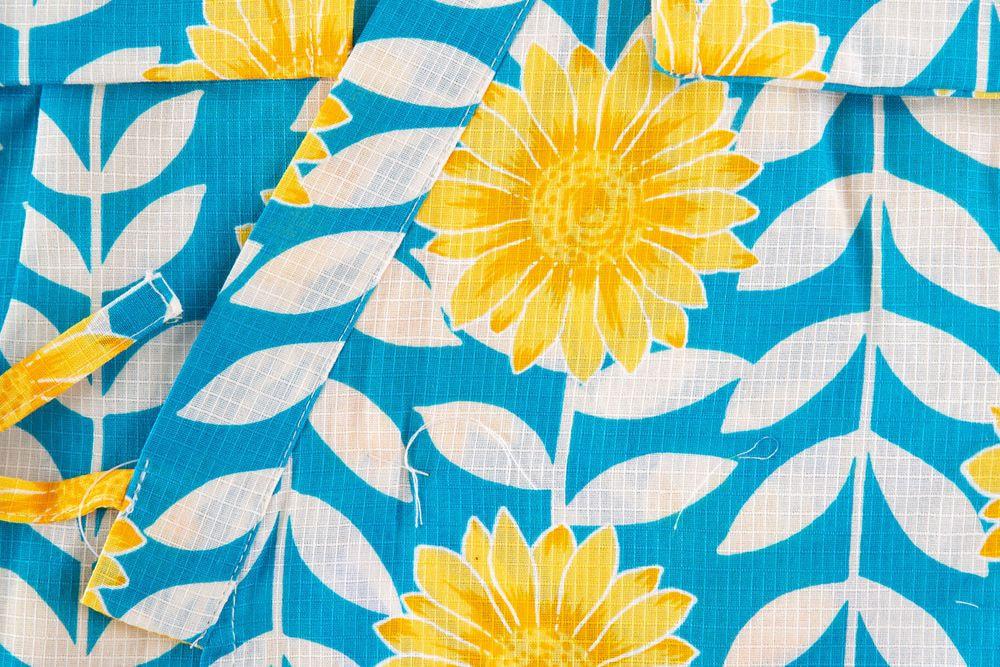 子供サイズ120 女の子甚平 青い色 ひまわり花柄 【品番KDJG14】
