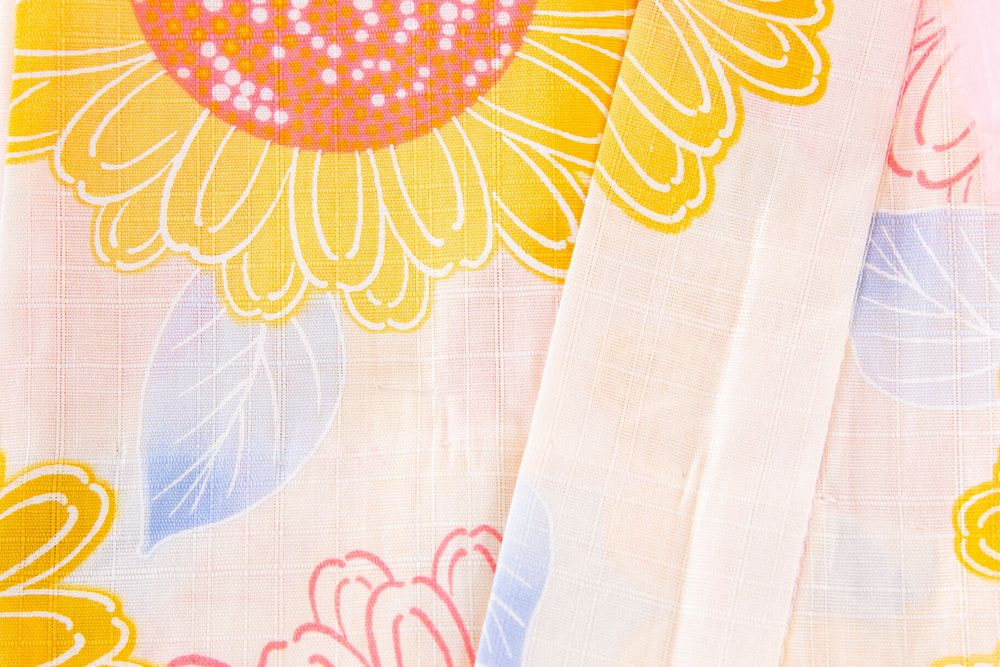 子供サイズ130 女の子浴衣 クリーム色 花柄【品番KDYG22】
