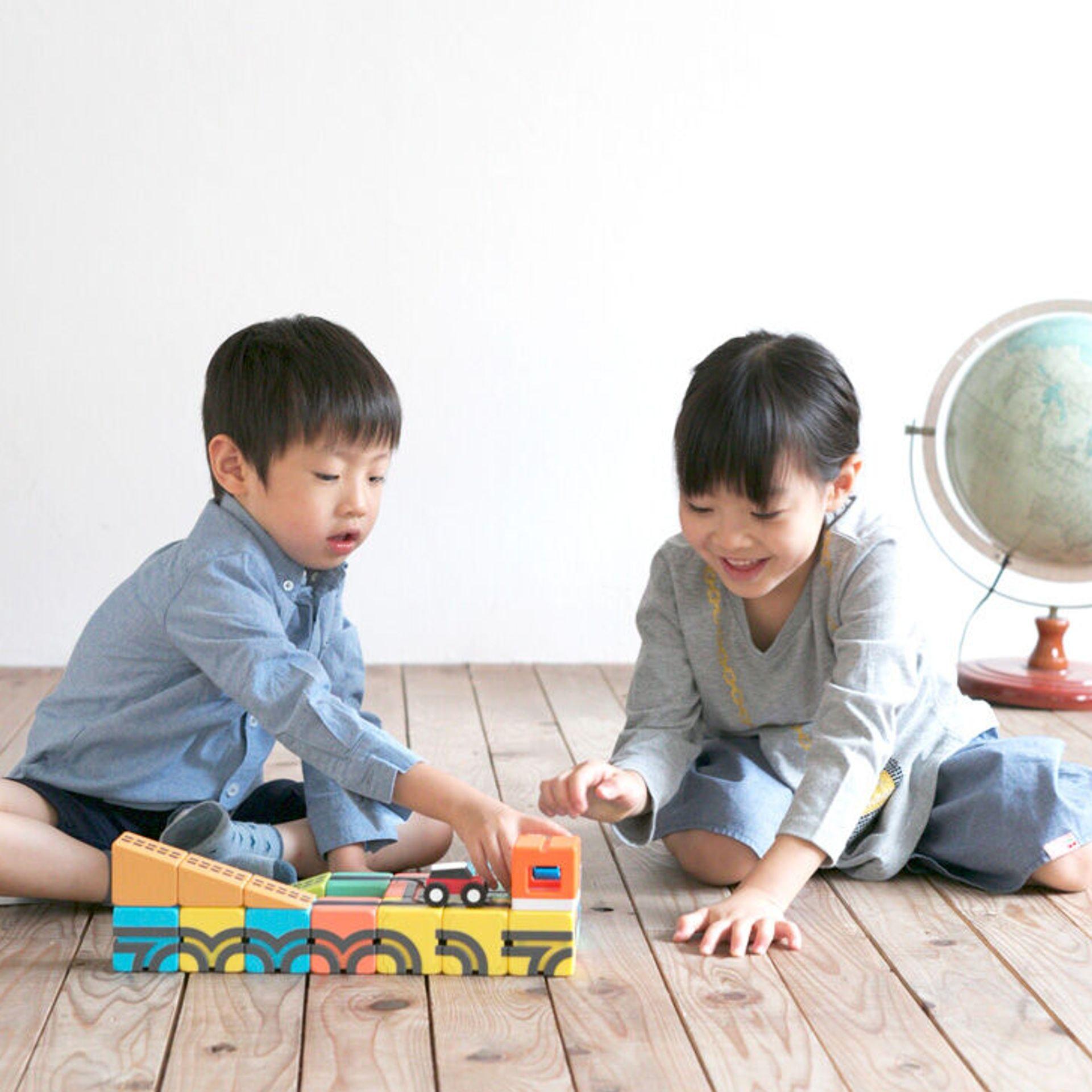 知育玩具 『QBI PLUS』